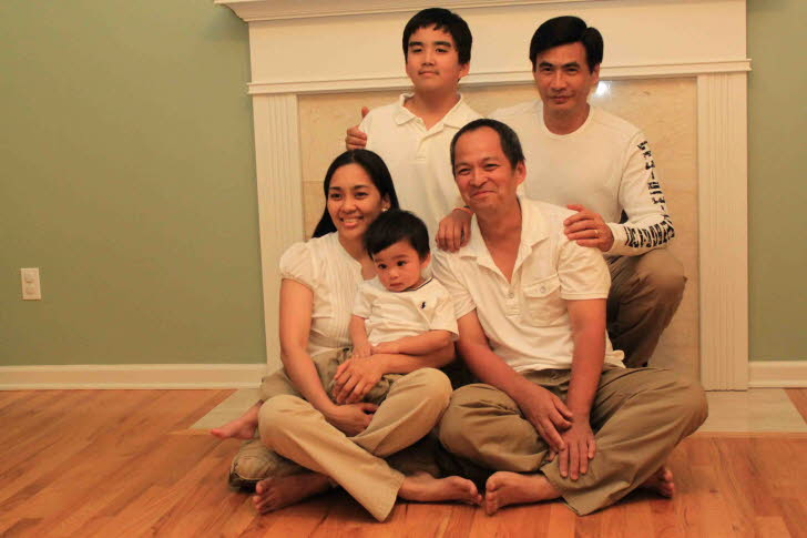 2011 Family Pict with Kuya Itoy